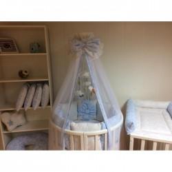 Бортики подушки на кроватку «Голубые бантики»