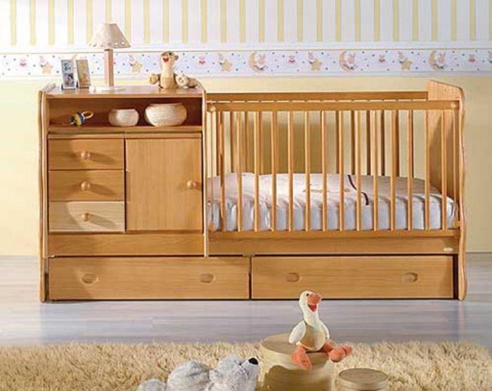 Какую кроватку-трансформер с маятником лучше купить для малыша
