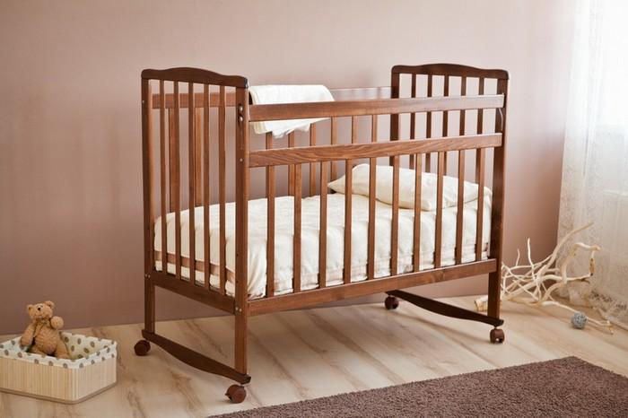 Кроватки для новорожденных: советы и рекомендации специалистов и опытных родителей
